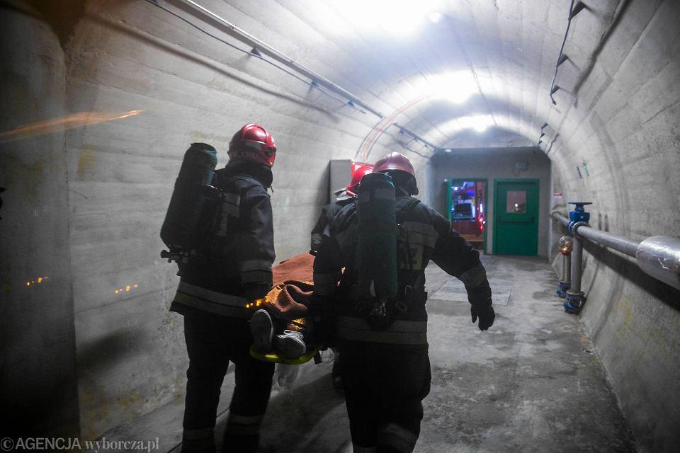 Zdjęcie numer 18 w galerii - Symulacja karambolu z kilkudziesięcioma rannymi. Duże ćwiczenia w tunelu pod Martwą Wisłą [ZDJĘCIA]