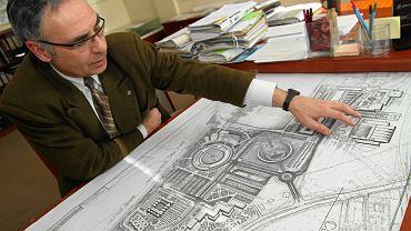Adam Popielewski, dyrektor wydziału architektury i budownictwa w urzędzie miasta, już w 2010 r. pokazywał inwestycyjne projekty o. Rydzyka