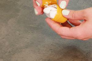 Nie wyrzucaj pudełek z czekoladowych jajek. Podpowiemy ci, jak możesz je wykorzystać!