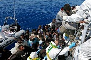 W PE apele o zobowi�zanie kraj�w UE do przejmowania uchod�c�w. ''Europos�owie z PO ju� si� zgodzili''