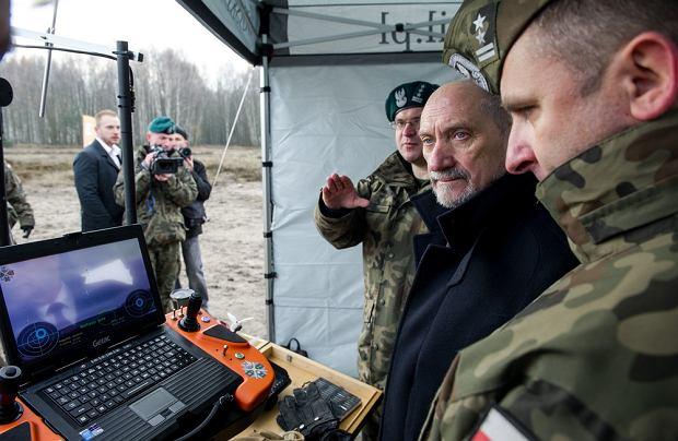 Opóźniona polska armia. Ekspert alarmuje: za Macierewicza modernizacja wojska wyhamowała