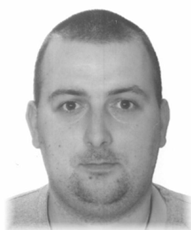 Bartosz Donarski poszukiwany przez policję za skatowanie szczeniaka