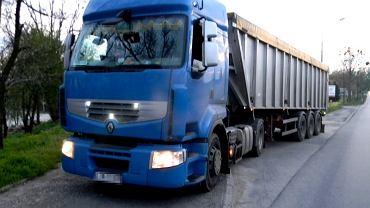 Kierowca kilkunastotonowej ciężarówki miał w organizmie prawie 3 promile/zdjęcie ilustracyjne