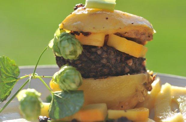 Hamburger po kode�sku i marynowany chmiel [przepis]