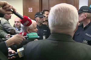 """Po co ja pana ministrem robiłem?"" ""A po co ja pana prezydentem?"". J. Kaczyński i Lech Wałęsa spotkali się w sądzie"