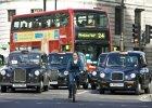 Brytyjczycy zamawiaj� taks�wki prowadzone przez bia�ych kierowc�w. To efekt skandalu pedofilskiego