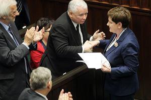 PiS prowadzi, Kukiz'15 zyskuje. Do Sejmu dostałaby się partia, której obecnie nie ma w parlamencie [CBOS]
