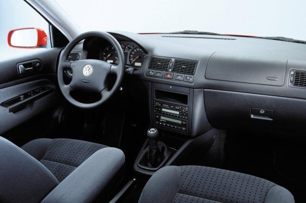 Volkswagen Golf IV / Bora - wnętrze