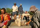 Zwiedzaj i pracuj w Australii, czyli młodzi Polacy na farmie cukinii w tropikach
