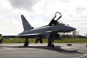 Niemcy wyślą myśliwce i okręt wojenny, by wesprzeć kraje bałtyckie w ramach NATO