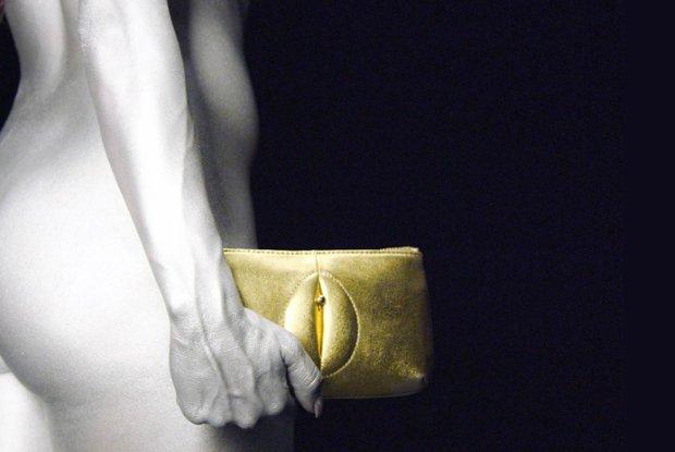 Elegancka torebka z wagin�? Tak m�oda projektantka mody chce walczy� o prawa kobiet