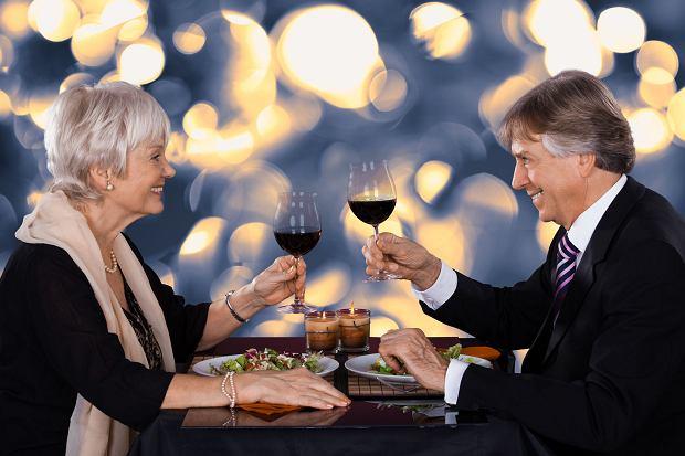 Aukcje w ciemno online dating