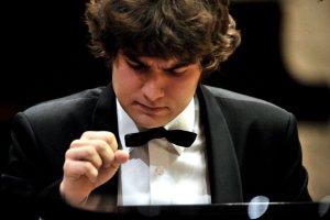 Lukas Geniusas na inauguracji sezonu w Filharmonii Śląskiej