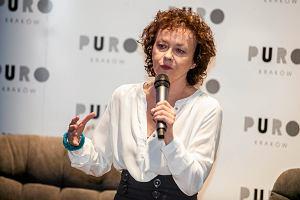 Szczepkowska odbiera nagrodę na imprezie TVP. Nagle recytuje wierszyk o psuciu państwa