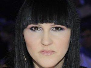 W jakich w�osach Agnieszka Chyli�ska wygl�da lepiej?