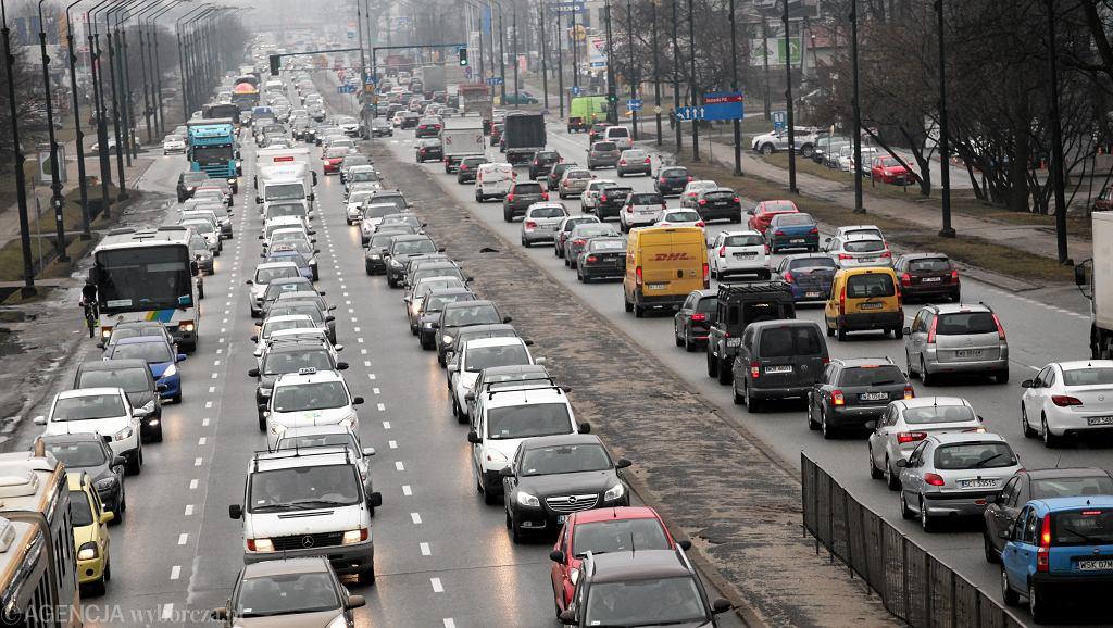 Korki w kierunku centrum Warszawy , godzina 7.45 , zdjęcia z kładki przy ul Jagielskiej