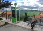 """Włoskie miasteczko zmieniło się w """"żywy internet"""""""