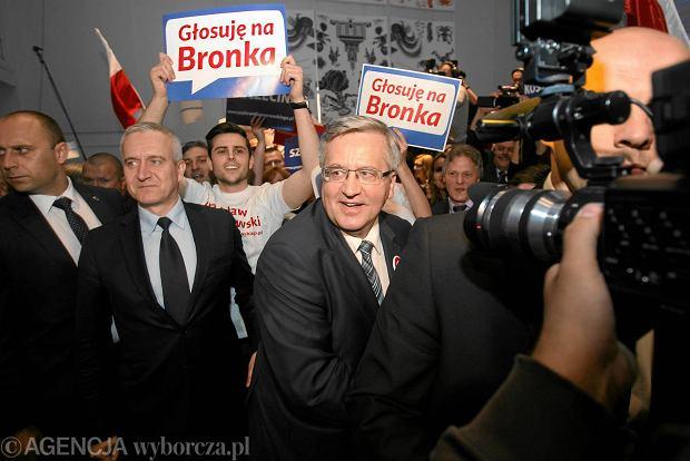 Wybory prezydenckie 2015. Bronis�aw Komorowski szuka 5 proc. przed II tur�