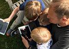 """Tusk założył Instagram i od razu pokazał zdjęcie z dzieciństwa. Uwagę zwraca strój. """"Kto by pomyślał, że to przyszły ojciec blogerki"""""""