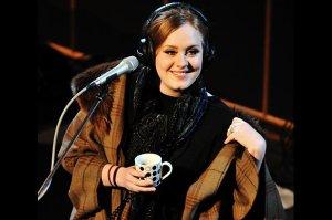 """Adele opublikowała klip do piosenki """"When We Were Young"""". Jest to drugi po """"Hello"""" udostępniony utwór z najnowszego albumu Adele """"25"""". Premiera już w najbliższy piątek 20 listopada."""