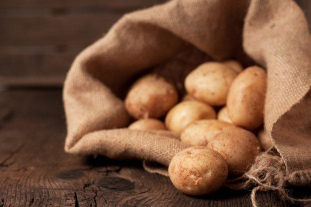 Ziemniaki są źródłem skrobi i witamin z grupy B.