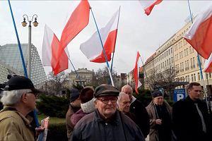 """Protest w Poznaniu. Nie chcą, by reżyser """"Klątwy"""" był kuratorem Malta Festival"""