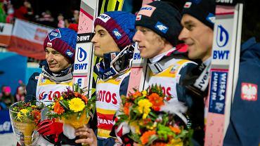 W Wiśle na inaugurację Pucharu Świata Polacy byli na drugim miejscu za Norwegami. Dziś w niemieckim Titisee Neustadt rywalizacja była bardziej zacięta