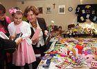 Niesamowity prezent na sz�ste urodziny: Oliwia dosta�a milion kartek z �yczeniami. I ca�y gara� pluszak�w