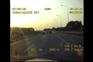Pędził autostradą 250 km/h. Policjantom tłumaczył, że lubi szybką jazdę