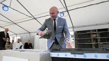 Bilcza, 7 października 2016. Uroczystość wmurowania kamienia węgielnego pod budowę fabryki Dafi Pro. Marcin Perz