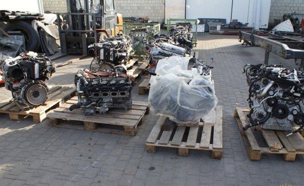 Skradzione silniki Mercedesa znalezione w Polsce. S� warte 10 mln z�