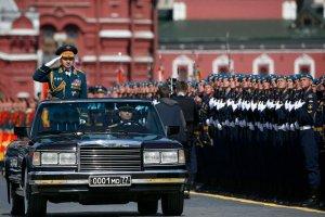 Rosja ma takie problemy finansowe, że aż tnie wydatki na wojsko