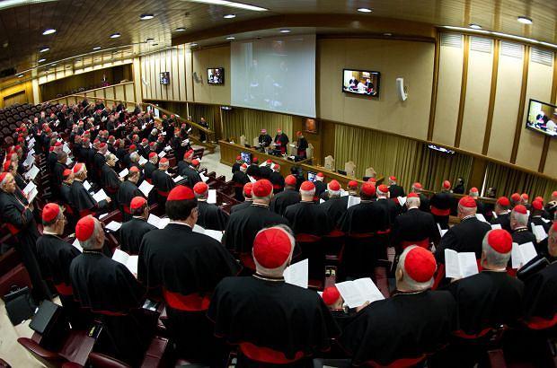 Zebranie kardyna��w w auli Paw�a VI