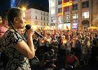 """17-latka na manifestacjach porywa tłumy. Basia Balicka: """"Polska to kraj nas wszystkich, a nie Kaczyńskiego"""""""