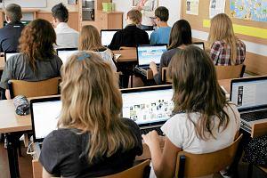 Polscy gimnazjali�ci w czo��wce. Tylko m�odzi Czesi lepiej radz� sobie w cyfrowym �wiecie