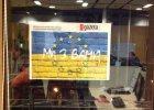 Poka� solidarno�� z Ukrain�! Powie� w oknie ukrai�sk� flag�