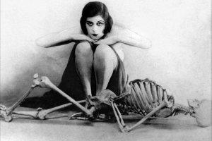 Supermenki: Theda Bara, pierwsza kinowa wampirzyca