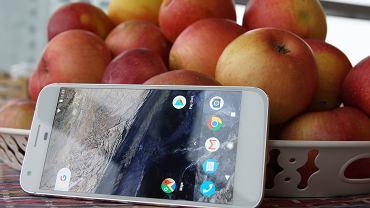 To prawdopodobnie najlepszy telefon z Androidem. Szkoda, �e tak ci�ko go kupi�