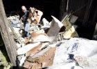 Śledczy dokumentują szczątki boeinga 777 znalezione w Donbasie na Ukrainie