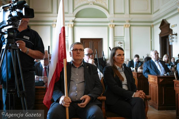 Radni Gda�ska zaskar�� decyzj� wojewody ws. uchwa�y o TK