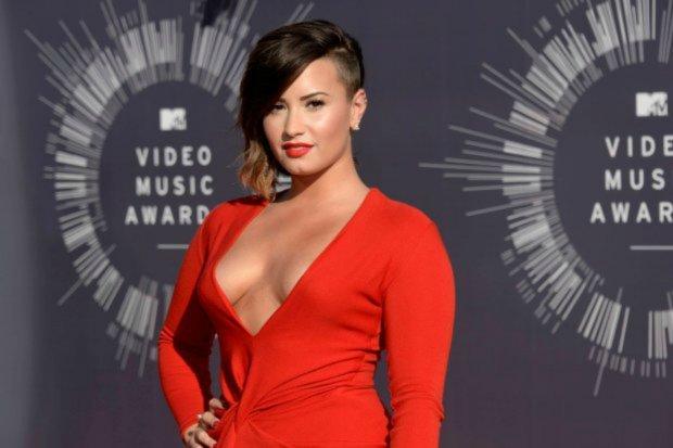 """Demi Lovato i Joe Jonas wystąpili razem na scenie. Duet zaśpiewał """"Gotta Find You"""", hit z produkcji Camp Rock. Czy ten występ oznacza, że znów są parą?"""