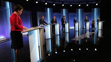 Liderzy partii w studiu w siedzibie TVP tuż przed rozpoczęciem debaty
