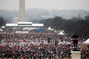 Nawet PÓŁ MILIONA osób na ulicach Waszyngtonu. Na całym świecie Marsze Kobiet przeciwko Trumpowi