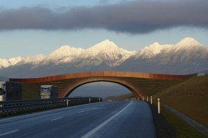 S�owacja samochodem albo poci�giem! Ceny winiet na S�owacji w roku 2015 i nowe po��czenie kolejowe do �iliny [PRZYDATNE INFORMACJE]