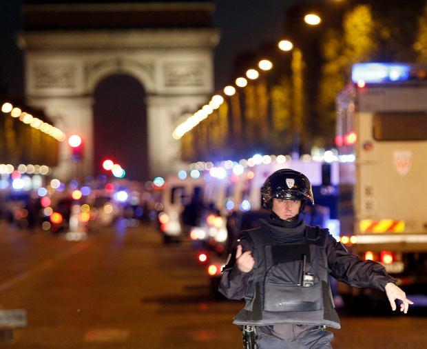 Strzelanina na Polach Elizejskich w Paryżu
