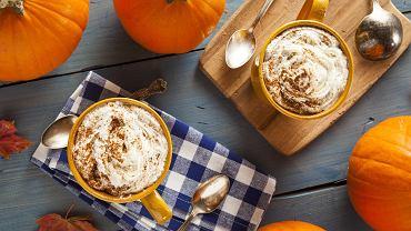 Te jesienne kawy rozgrzeją organizm i dodadzą energii.