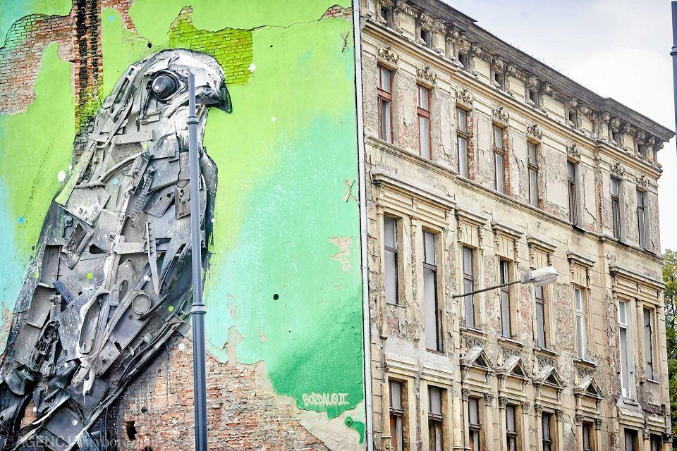 Nowy Mural Ptak Z Odpadow Z Wysypiska Zdjecia Wideo