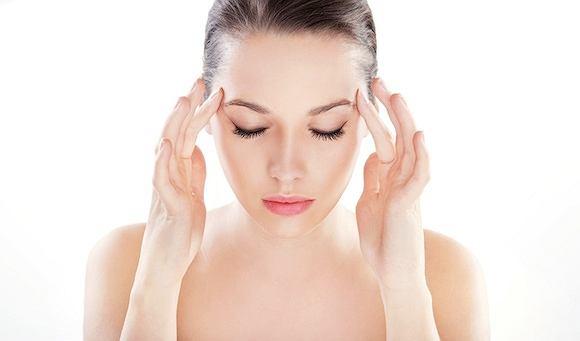 Zakwaszenie organizmu może prowadzić do migreny.