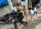 """""""Te dzieci są zabijane w domach przyjaciół i w szkole"""". Od 13 lat patrzy na piekło Rio de Janeiro"""
