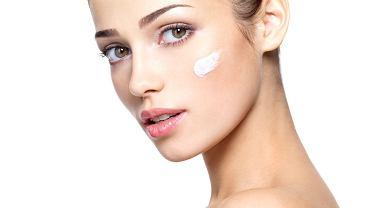 5 świetnych zastosowań kremu pod oczy